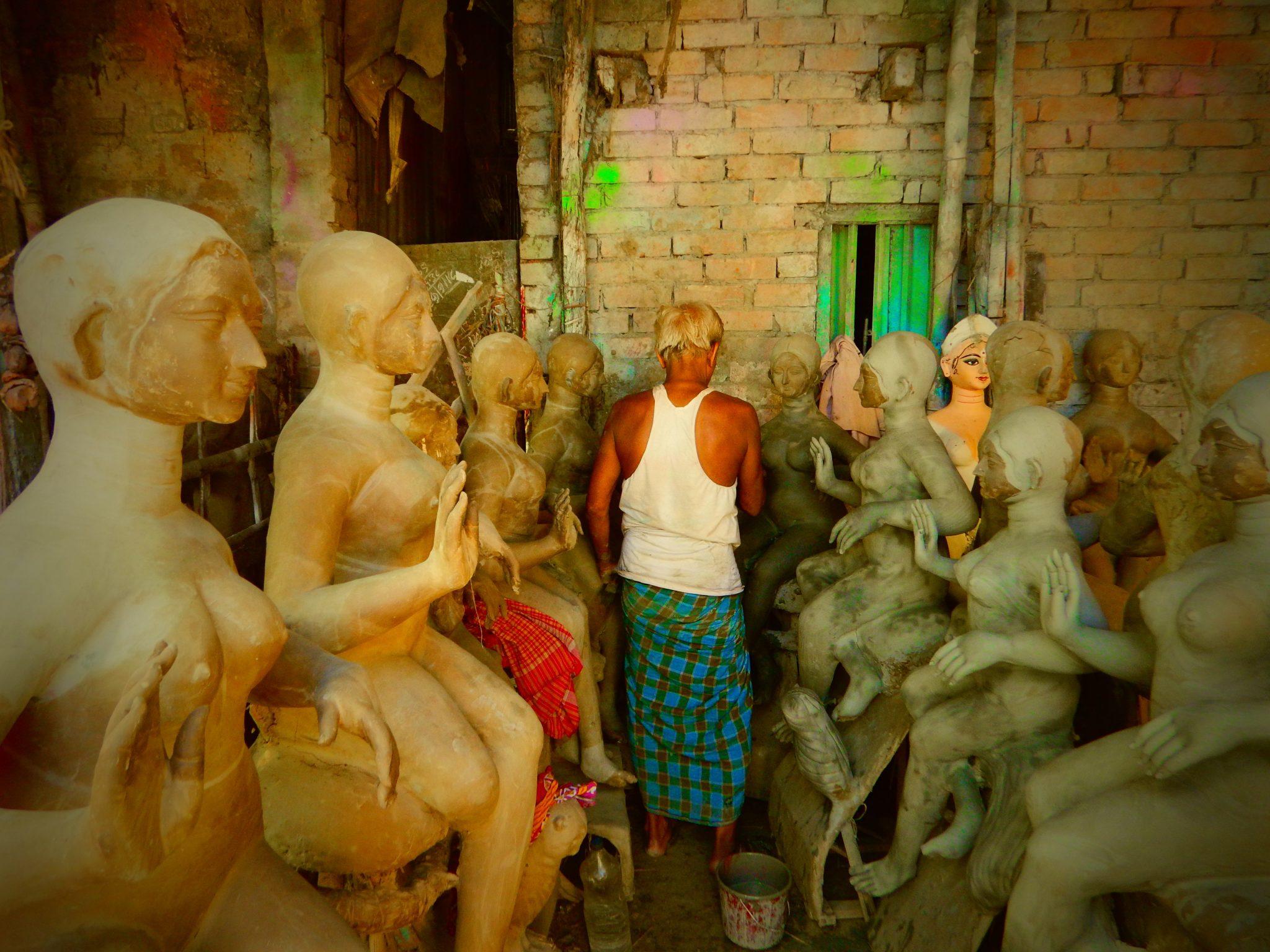 Kumartoli, tour India
