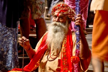 Varanasi sadhu, tour India