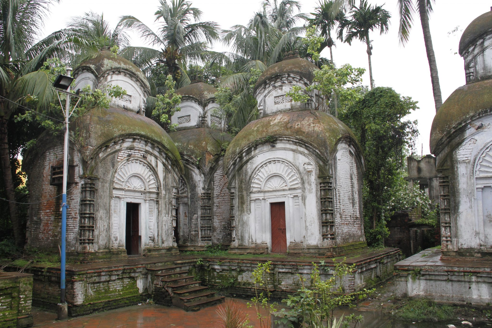 Kamarghat Dwadosh Shiv Mandir, Kolkata, tour India off the beaten track